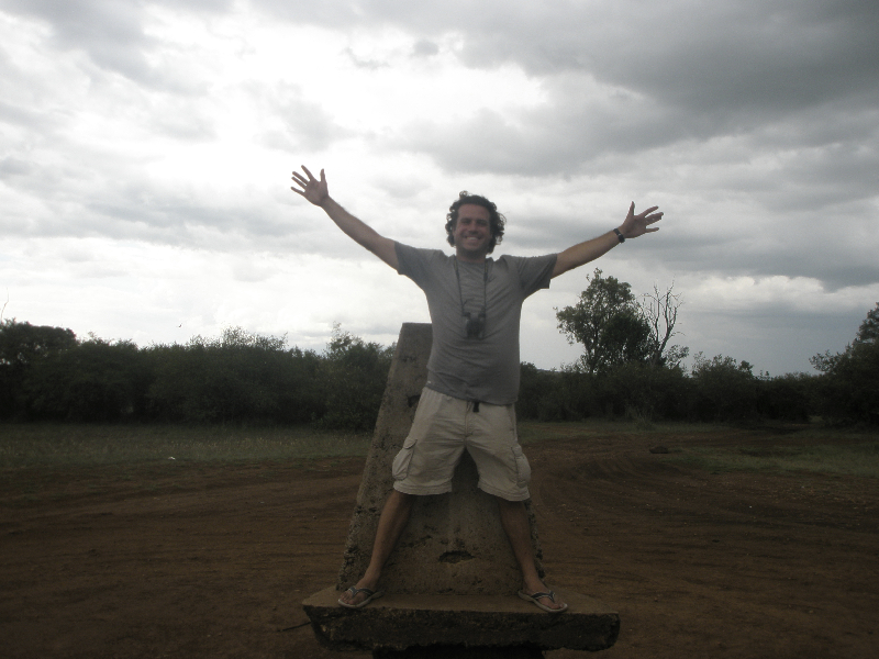 Halfway in Kenya, halfway in Tanzania- on safari in the Maasai Mara