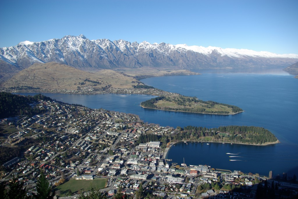 travel, backpack, backpacking, budget, adventure, explore, U, university, world, campus, New, Zealand, South, Island, Queenstown, Remarkables, mountain, lake, wakatipu, basin